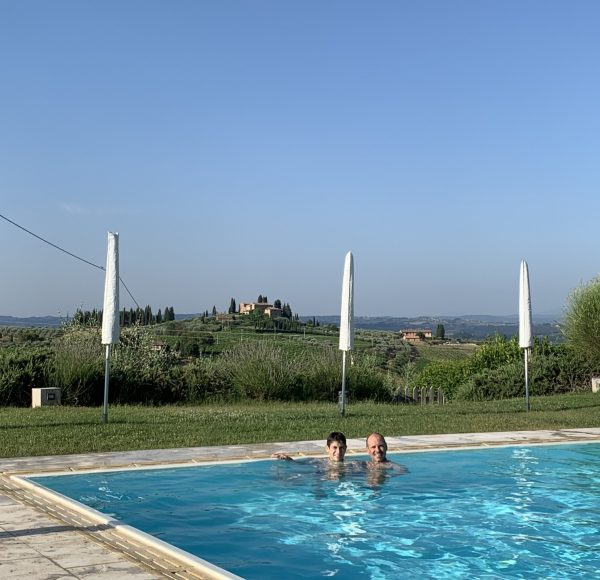 Via Francigena - San Gimignano relax in the pool with view