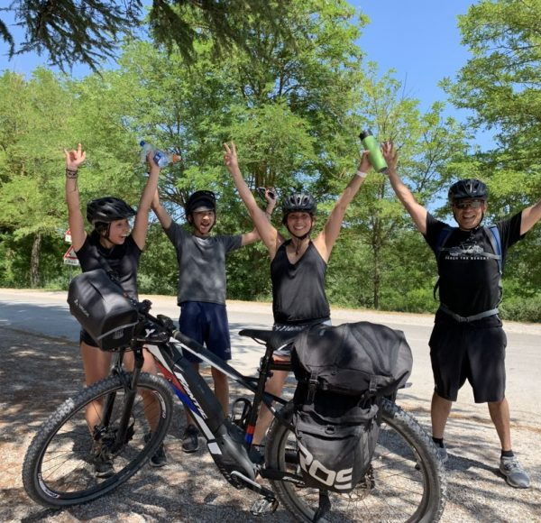 Tuscany bike tour - happy family!